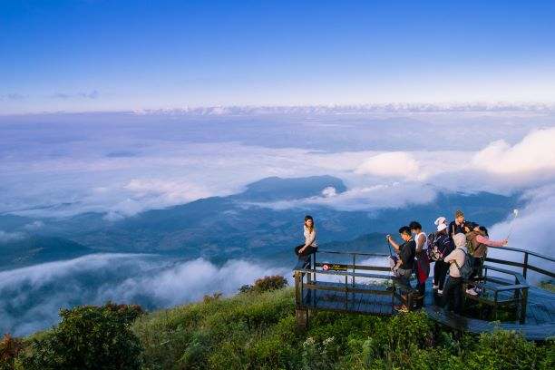 Giew mae pan nature trail is the paradise on the cloud-kissing range