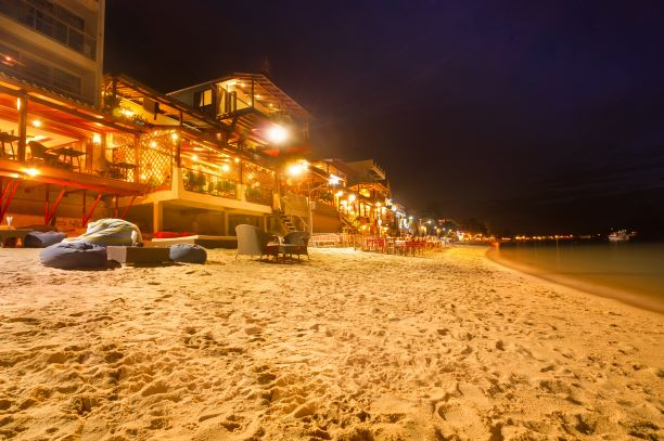 Chaweng Beach nightlife at Koh Samui beachside restaurant & bar - Thailand