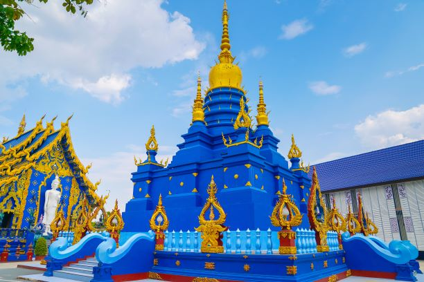 The blue Pagoda or Phra That Kedkaew Chulamanee Ha Phra-Ong