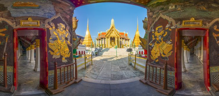 guideline to Wat Phra Kaew or Temple of the Emerald Buddha