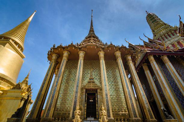 Phra Si Rattana Chedi (L), Phra Mondop (Middle), Royal Pantheon (R)