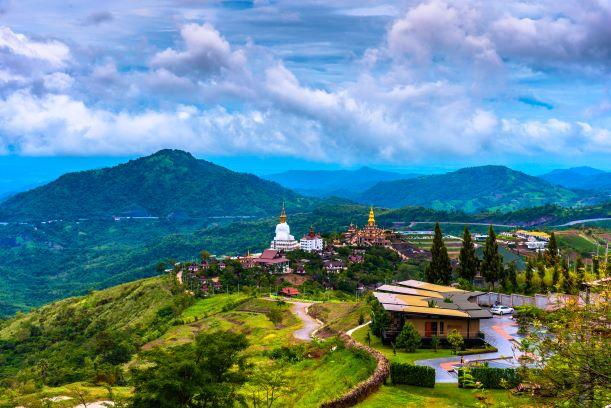 scenery of Wat Pha Sorn Kaew