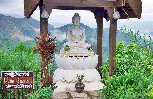 "White Jade Buddha ""Phra Yok Khao"" in Wat Pha Sorn Kaew, Petchabun"