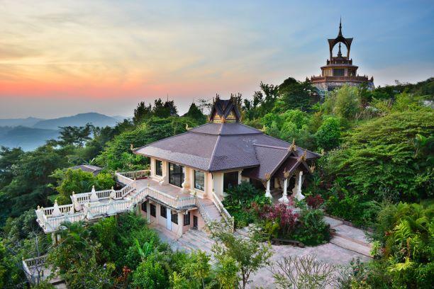 the Green Jade Buddha Hall inside Wat Pha Sorn Kaew