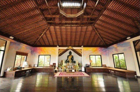 "the Green Jade Buddha ""Phra Yok Kheao"""