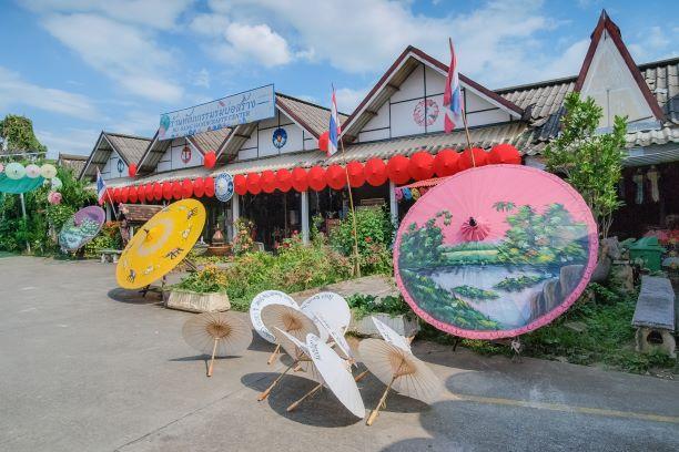 view of Bo Sang Handicraft Centre in San Kamphaeng, Chiangmai
