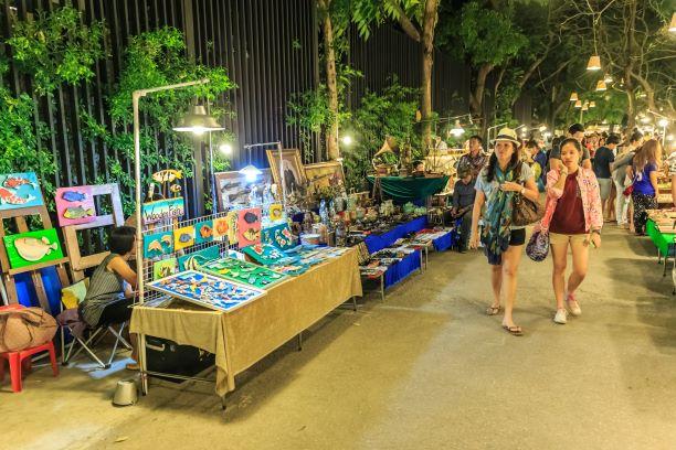 Market of Cicada
