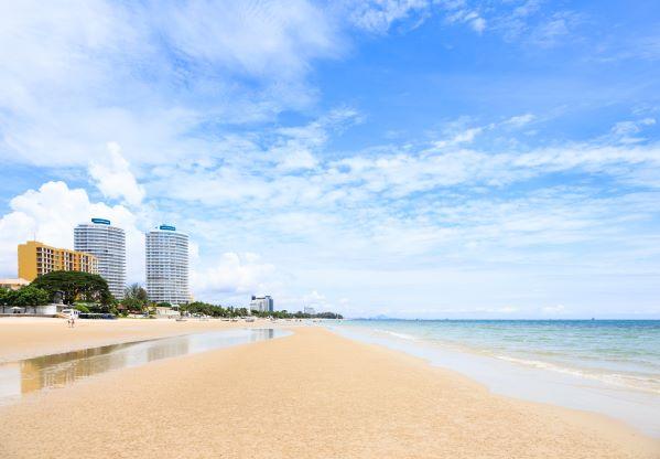 Hua Hin beach in sunny day