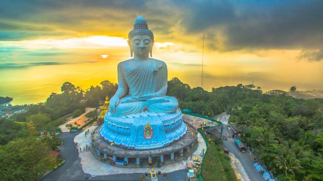Phuket's big Buddha while raining is coming to big Buddha