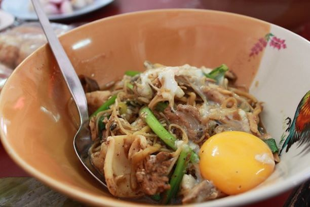 Things to do in Phuket- Taste Mee-Ton Poe