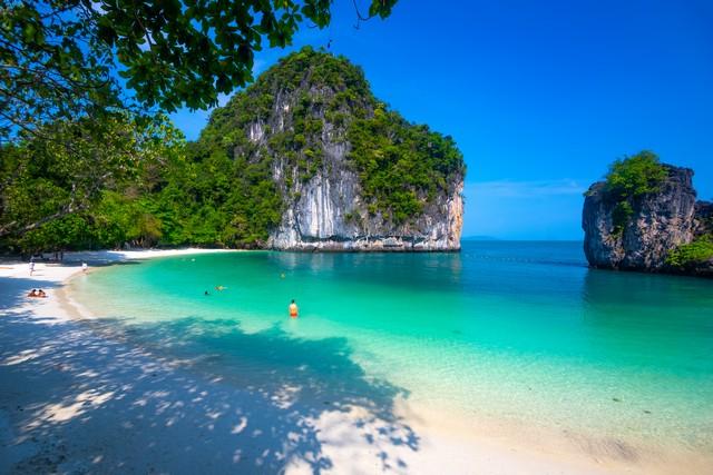 Beach of koh hong island