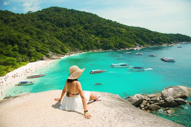 Beautiful sea and blue sky at Similan islands