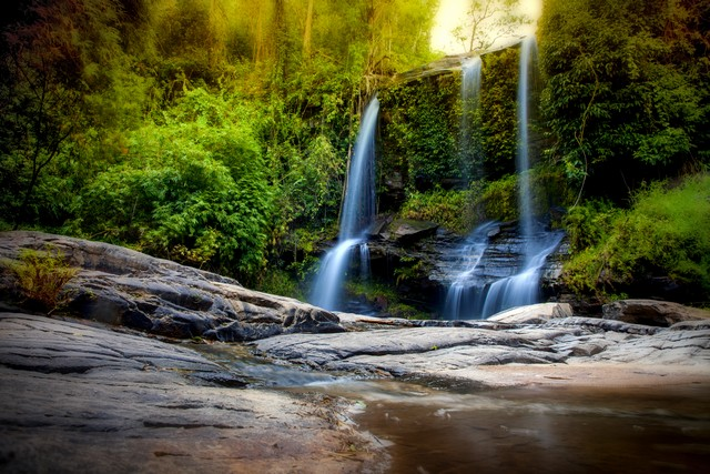 Mae Sapok Waterfall in Op Khan National park