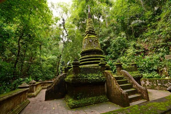 Pagoda Alongkorn Chedi in Chanthaburi