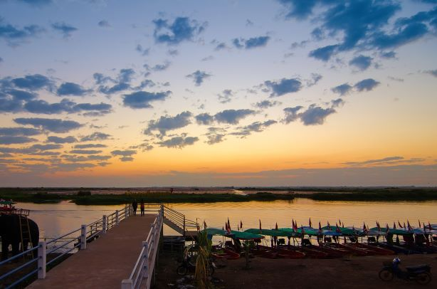 Pier to get boat to Red Lotus Lake-Udon Thani