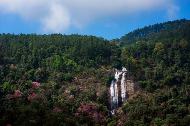 Siribhume Waterfall