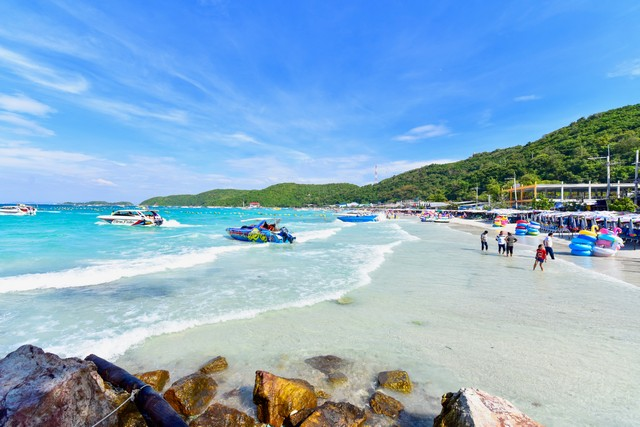 Tawaen Beach in pattaya