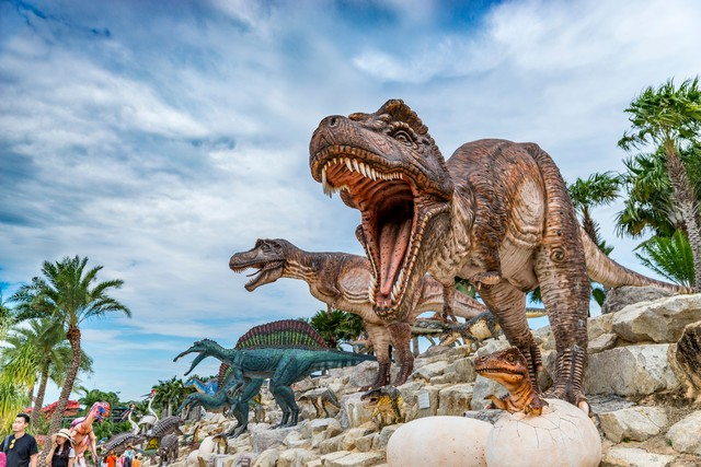The Dinosaur Valley