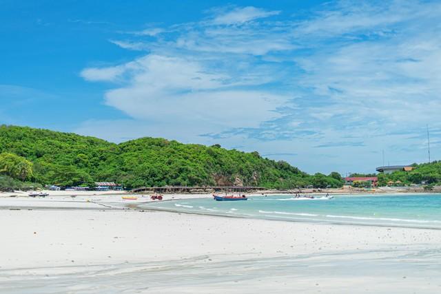 Tien Beach at Koh Larn