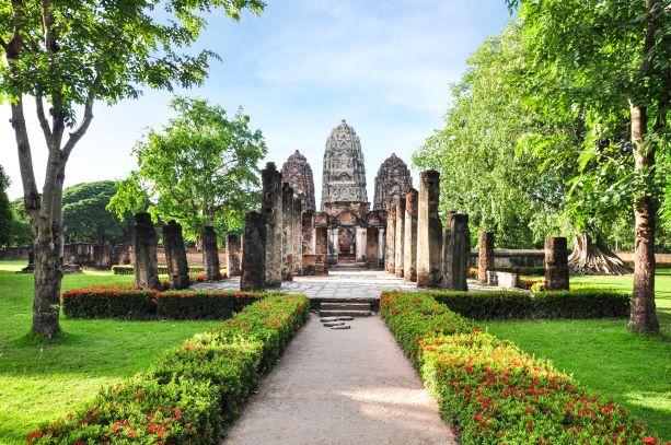 Wat Si Sawai are the tree prangs (pagodas)