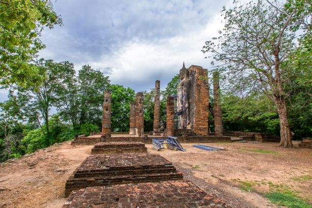 Wat Taphan Hin or Wat Saphan Hin is located outside the old city wall of Sukhothai