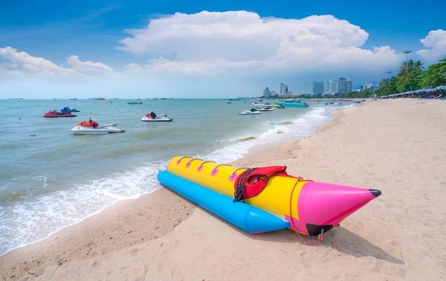 pattaya beach,the most famous beach in thailand