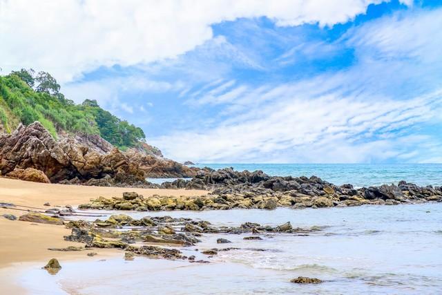 white beach and blue sky Best island in Koh Lanta Island