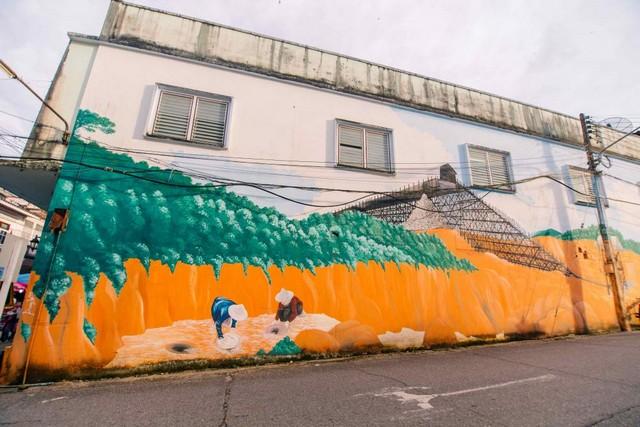 Wall Art at Takua Pa Walking Street