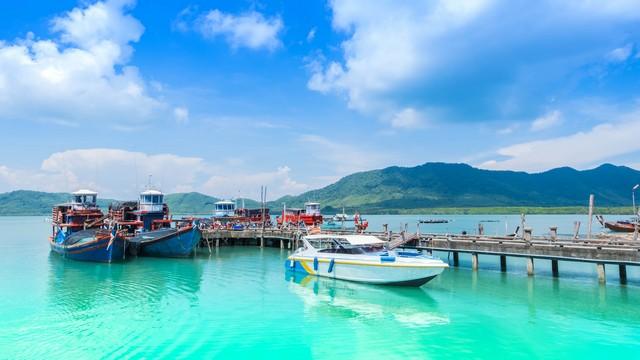Scenery of the bay at Koh Yao Yai Pier Phang nga