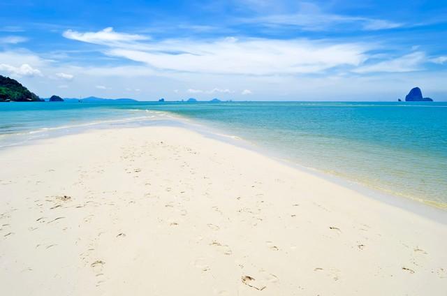 The Laem Haad Beach curve of white sand
