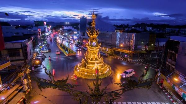 Night Shopping in Chiang Rai
