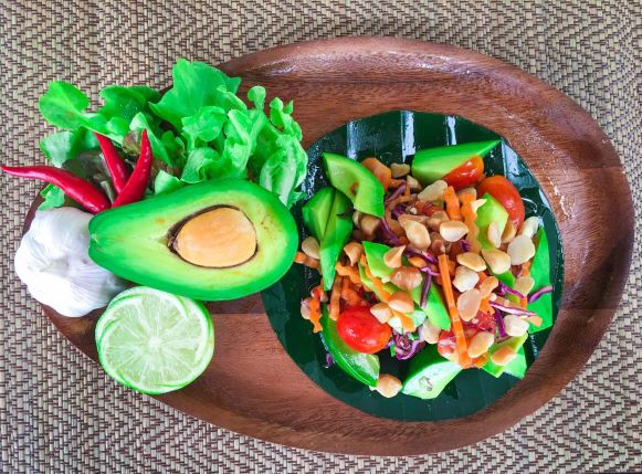 Avocado-Salad in Thung-Roeng-Project