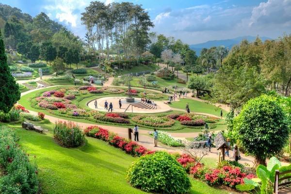 Beautiful-gardens-at-Doi-Tung-Royal-Palace-Chiangrai