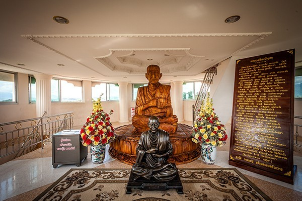 Floor 6: The statue of Somdet Phra Buddhacarya