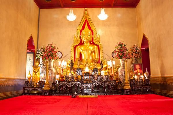 Luang Pho Wat Sam Jeen at wat traimit, Bangkok