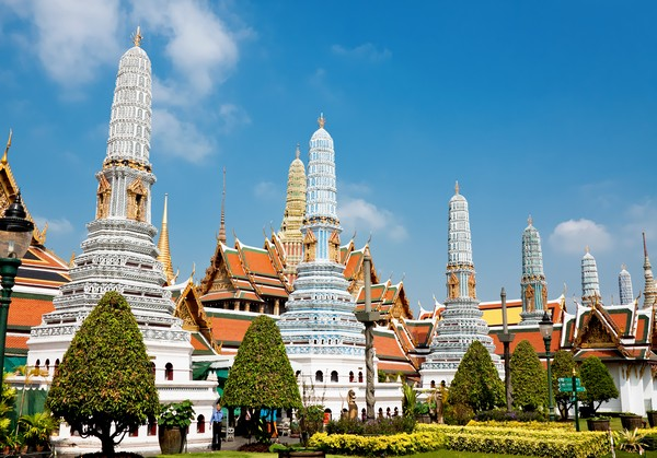 Phra Asada Maha Chedi or the Eight Towers