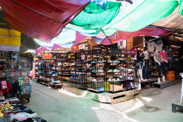 Tachileik-Myanmar-nearby-maesai-market-in-Chiang-Rai