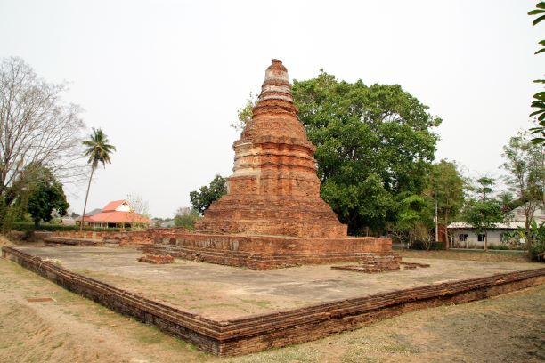 Wat E-Khang, is another Wiang Kum Kam's attraction