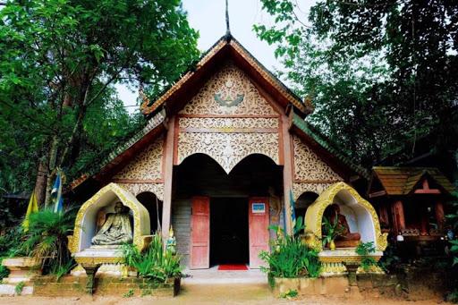 Wat Mae Kam Pong