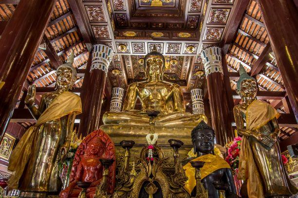 Golden Buddha Statues in Wat Lok Molee