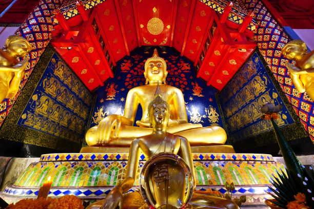 Phra Chao Gao Tue buddha image in Wat Suan Dok