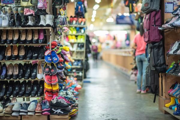 The shop inside Warorot market