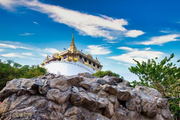 How to Get to Wat Saket temple