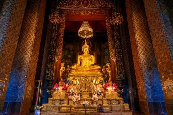 Phra Buddha Chinnasi in Wat Bowonniwet Vihara