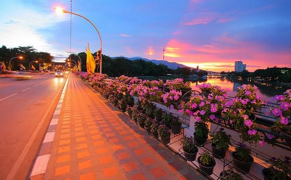 Nawarat Bridge