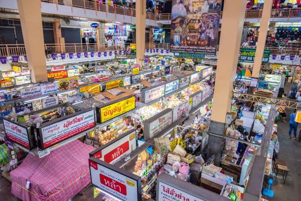 souvenir shop in waroros market