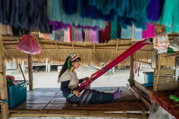 The Long-Neck Karen making silk